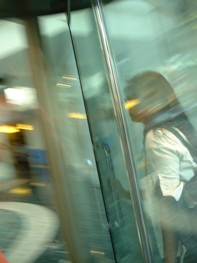 תיקון דלתות זכוכית למשרדים